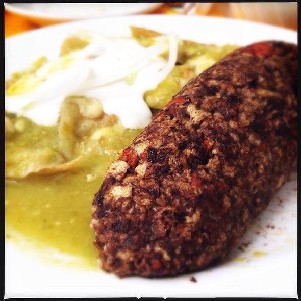 Huevos Tirados Con Chorizo @ Café De La Parroquia