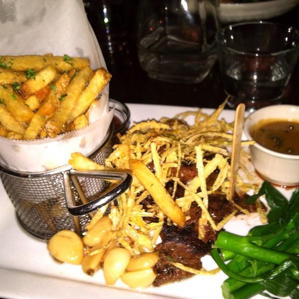 Garlic Skirt Steak @ Vault 164