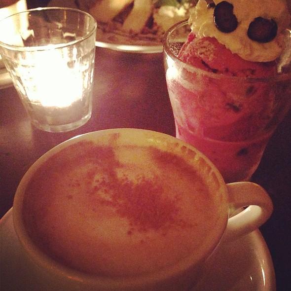 Cappuccino @ pilecafe恵比寿店