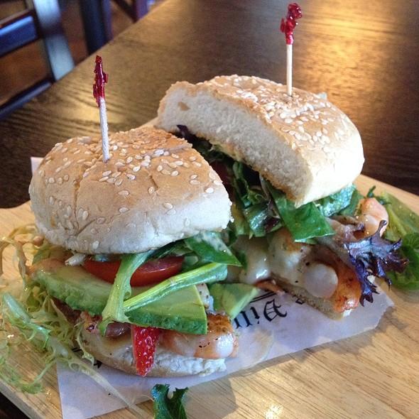 Hamburguesa De Camaron @ Bien Salsa