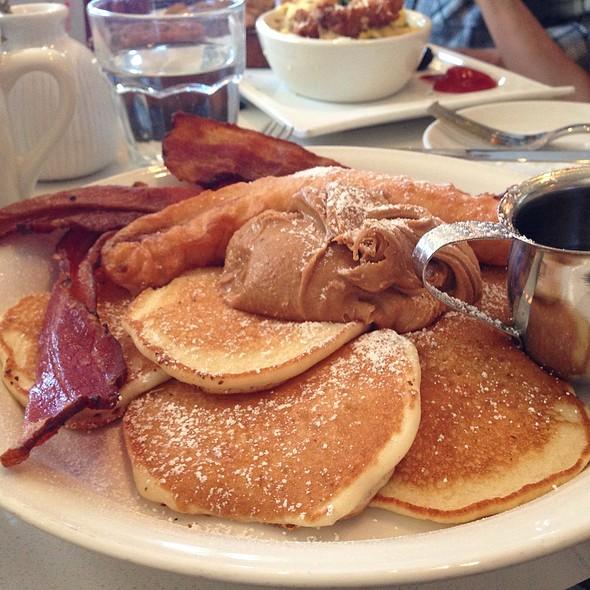 Peanut Butter Pancakes @ Great Maple