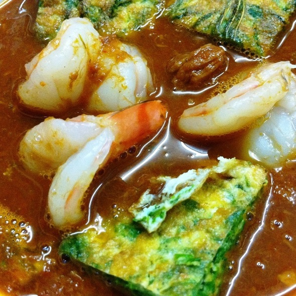 Spicy & Sour Light Curry With Shrimp And Cha-Om Omelette แกงส้มชะอมกุ้ง
