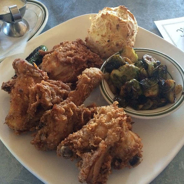 Dixie Fried Chicken And Biscuits @ BRC Gastropub