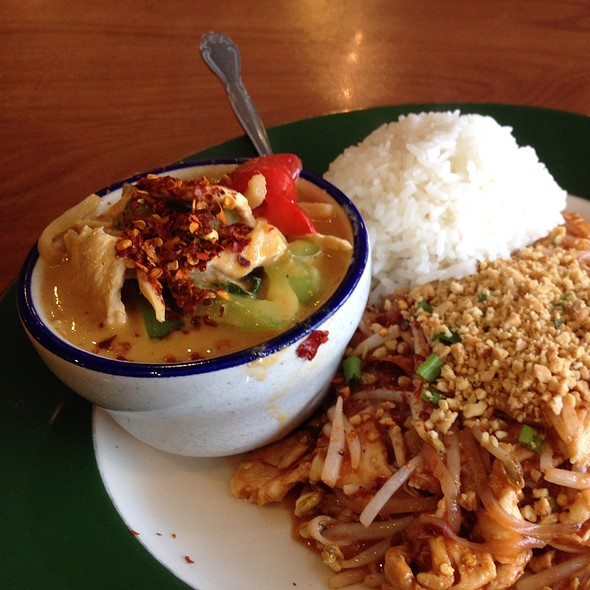 Red Curry Chicken @ Thai In Fife