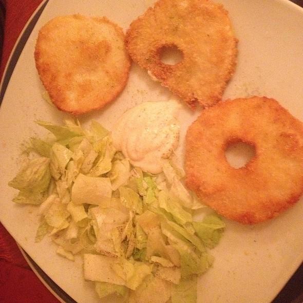Sedano Impanato Con Salsa Al Rafano E Verdure @ Veg Point