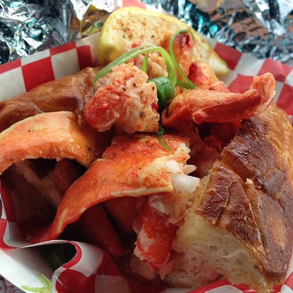 CT Style Lobster Roll @ Garbo's Fresh Maine Lobster