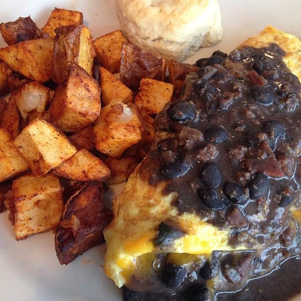 Southwestern Omelette @ Lucky's Cafe