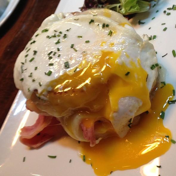 Egg Porn! - Del Frisco's Grille - McKinney Ave - Uptown, Dallas, TX