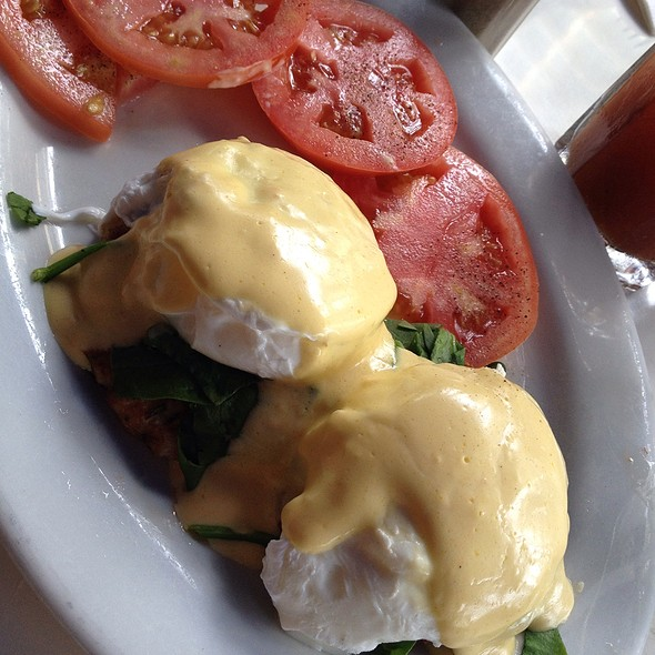 crab cakes eggs benedict - Front Porch Cafe, Miami Beach, FL