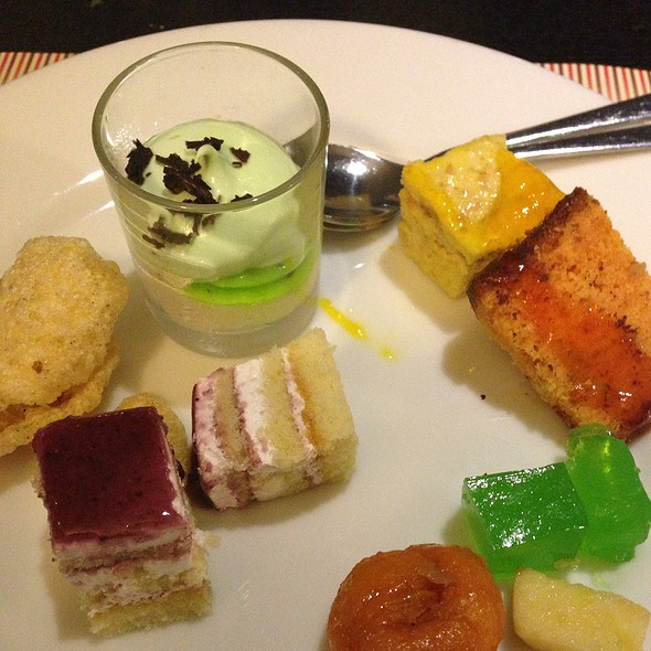 Dessert Platter @ Sizzling Grillz