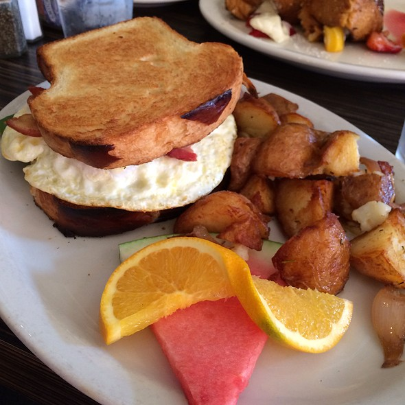 Eggwich - Fig Tree Cafe - Hillcrest, San Diego, CA
