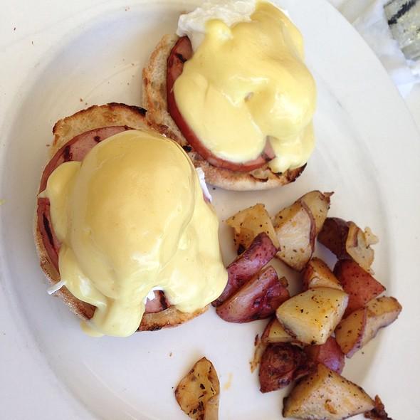 Eggs Benedict - SPAZIO - Fort Lauderdale, Fort Lauderdale, FL