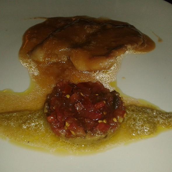 Iberian pork with olive sauce and kumato tartar @ Restaurante Cinco Sentidos