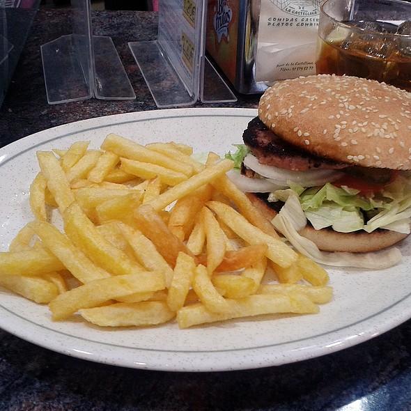 Bacon Cheeseburger @ La Isla de Castellana