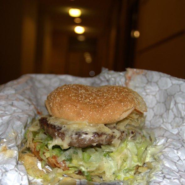 Double Cheeseburger @ Junior Colombian Burger