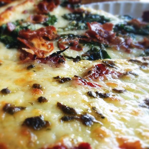 Pesto & Roasted Tomato Pizza @ Sicilian Thing Pizza