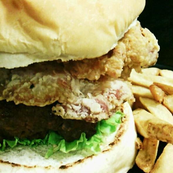 Maverick Burger @ Zark's Burgers