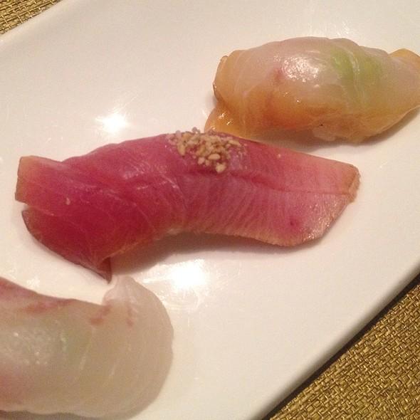 Sushi @ Momoyama