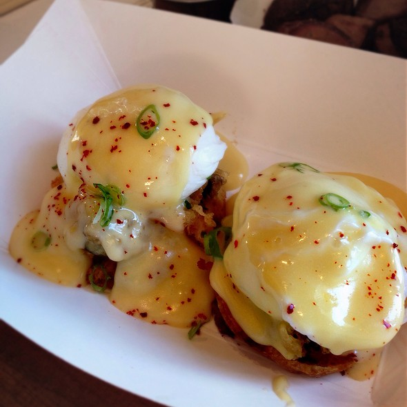 Hangtown Benedict With Fried Oysters @ Namu Gaji