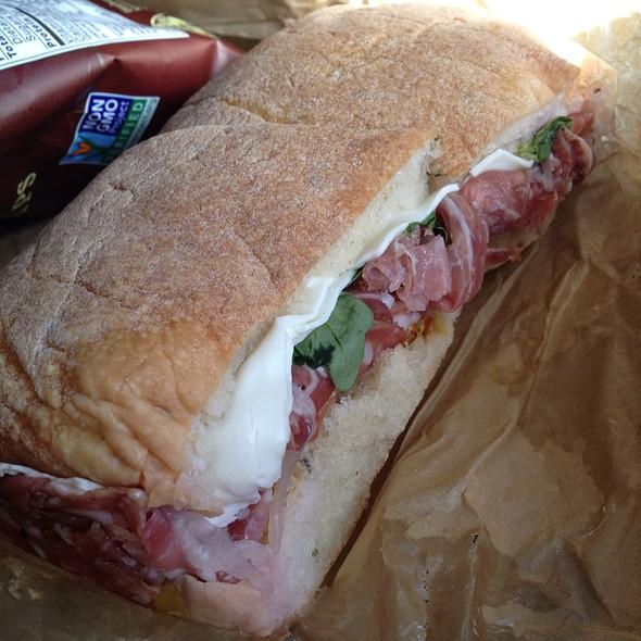 Salumi Sandwich