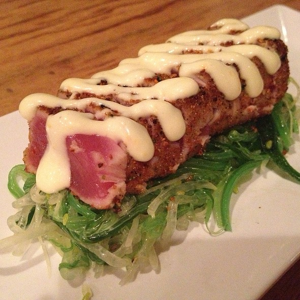 Togarashi Seared Tuna - Arami, Chicago, IL