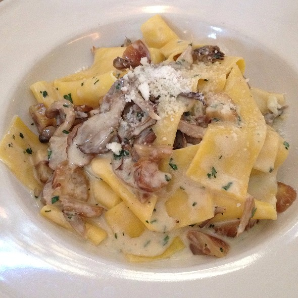 Pappardelle With Mushroom Ragu And Chestnuts @ Frankies Spuntino