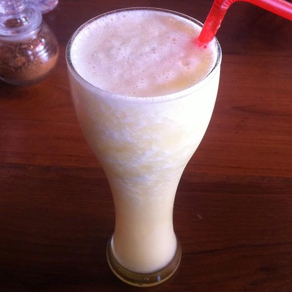 น้ำสับปะรดปั่น | Pineapple Shake @ คาเฟ่ เดอ ปาย /Cate De Pai