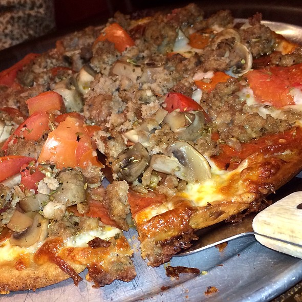 Gluten Free Sausage And Mushroom Pizza @ Zelo Gourmet Pizzeria