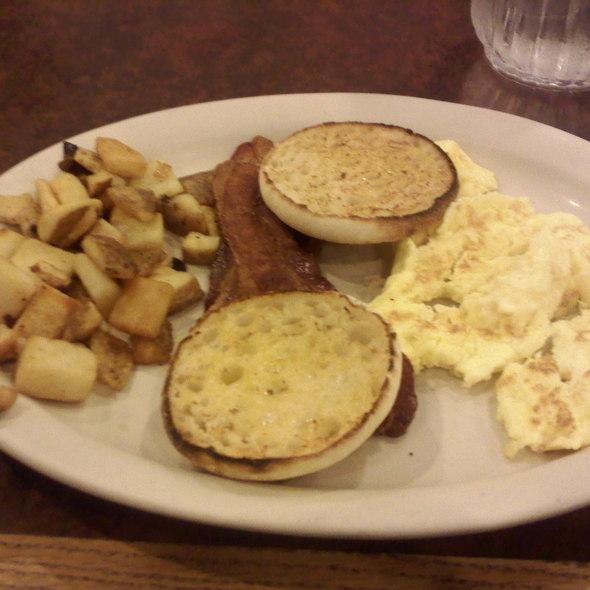 eggs, bacon, english muffin