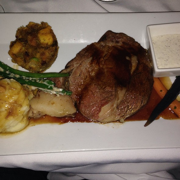 Prime Rib With Mashed Potatoes, Vegetables, Stuffing, And Horseradish Sauce - Johnny V, Fort Lauderdale, FL