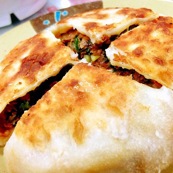 Minced Meat Thick Pancake 上海陷餅 @ 洪利粥店茶餐廳