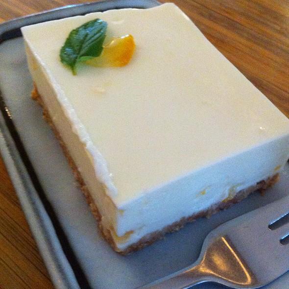 Yuzu Joghurt Cake