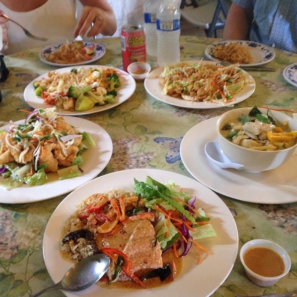 Crispy opakapaka with mango salad @ Thai Food by Pranee