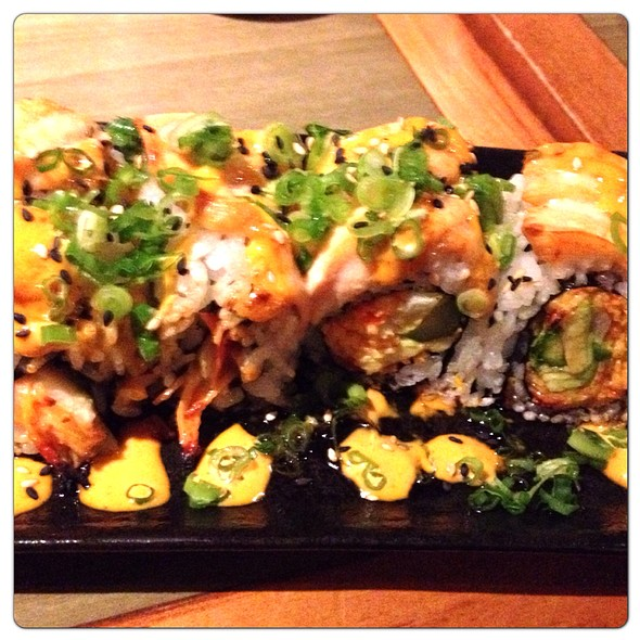 Slammin' Salmon Roll