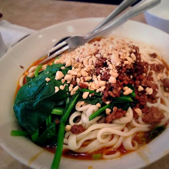Dan Dan Noodles @ Peaceful Restaurant