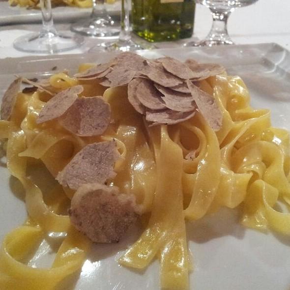 Tagliolini Al Tartufo Nero @ Ristorante Osterietta
