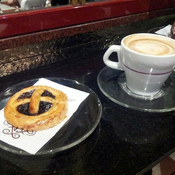Cappuccino E Crostatina @ Antonini - Pasticceria Bar Gelateria