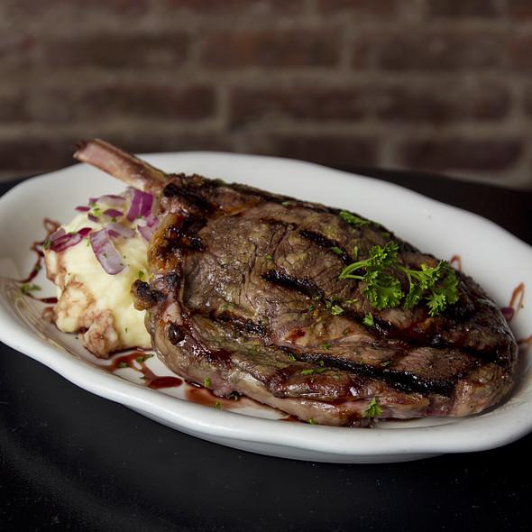 Prime Rib-eye Steak @ Houndstooth Pub