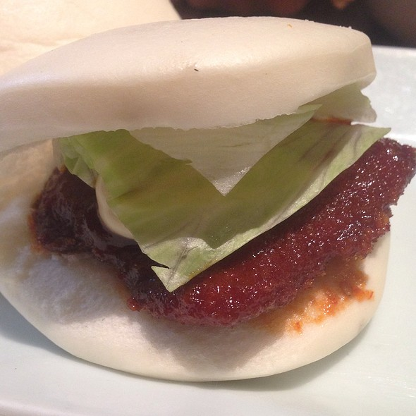 Hirata Buns - Chicken