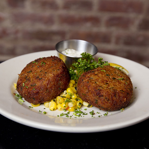 Crab Cakes @ Houndstooth Pub