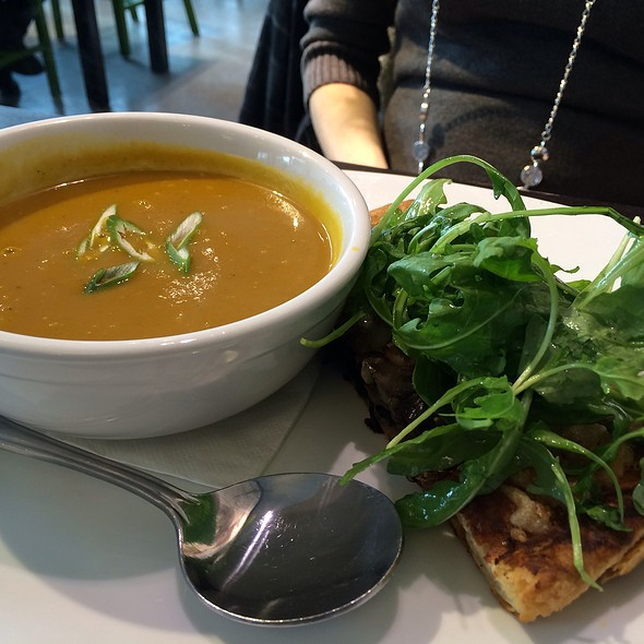 Steak, Mushroom, Gruyere And Rocket Tartlet Butternut Squash Soup