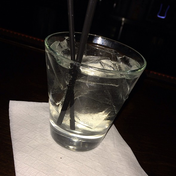 gin and tonic @ the sports and social club