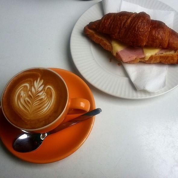 Flat White & Ham Cheese Croissant  @ Ponganes Espresso