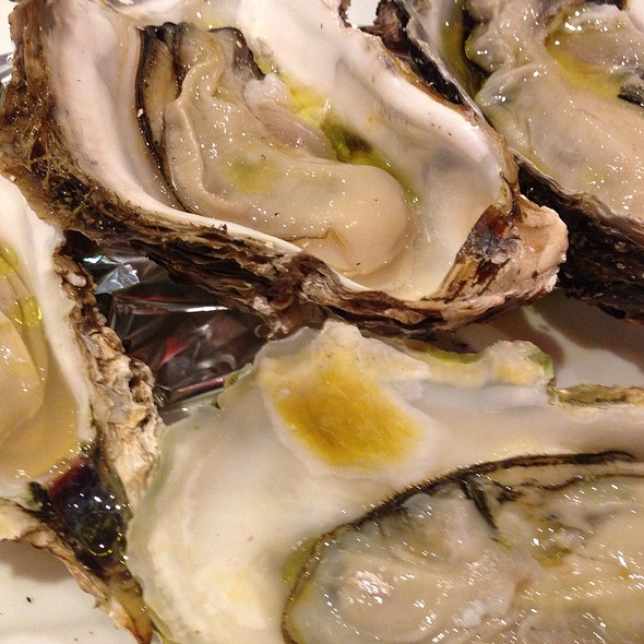 Grilled Oysters @ 浅草カフェ ラグランドカリス