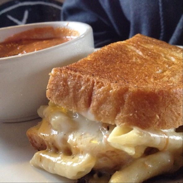 Grilled Mac And Cheese Sandwich @ Jack Mac's Swill & Grill