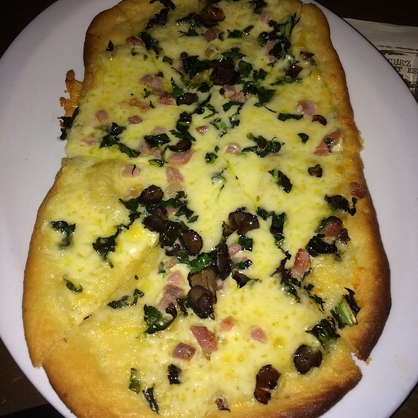 Flat Bread Pizza @ Brasserie Montmartre