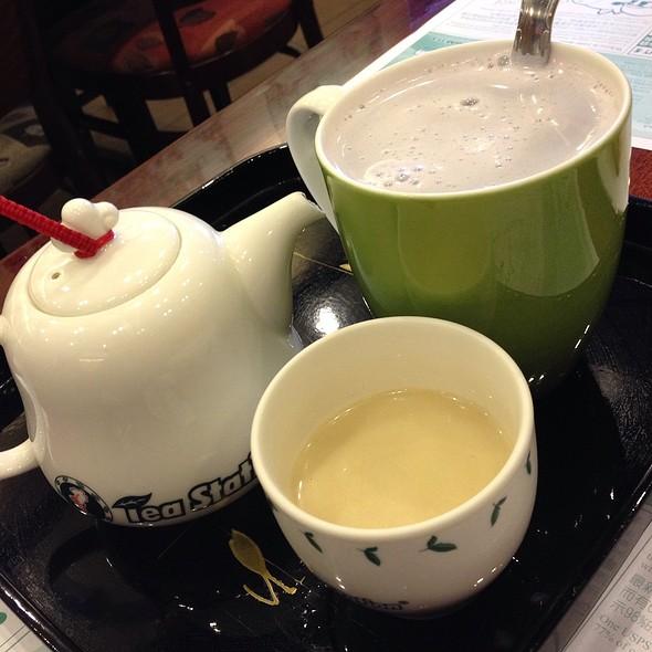 Taro Milktea  @ Tea Station