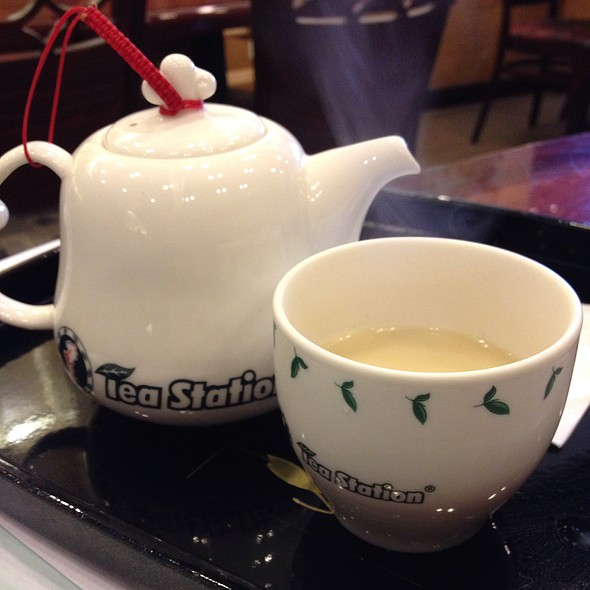Green Milk Tea With Soy Creamer @ Tea Station