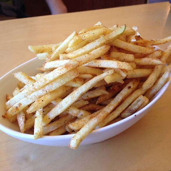 Seasoned fries @ Belle's Diner