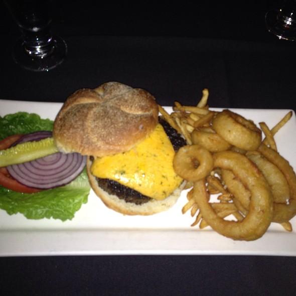 Cotswald Burger - Ashten's, Southern Pines, NC